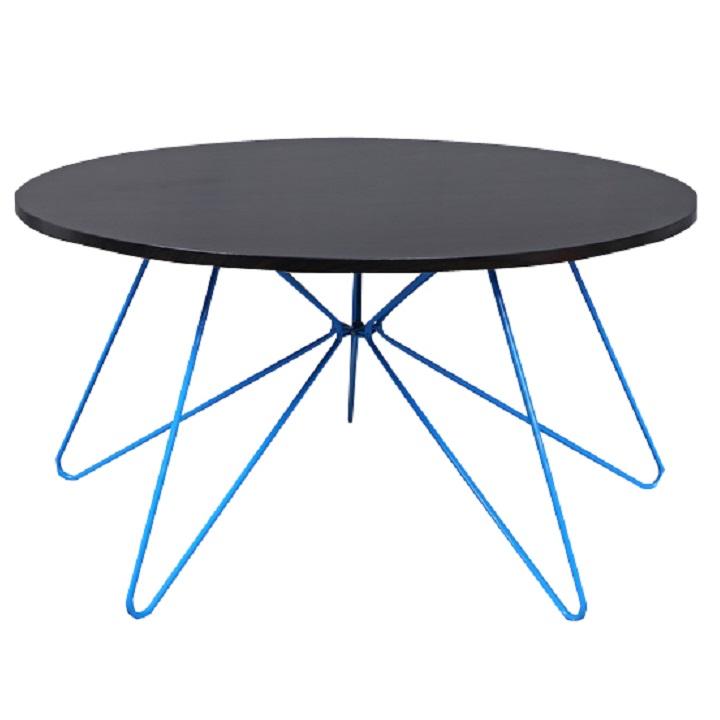 MIKKEL modern stílusos konferencia asztal Anyag és kivitel: MDF + fém fekete tölgyes kivitelben + kék lábak.